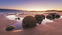 Moeraki Boulders - Photo: Greg Brave/Bigstock.com